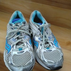 Saucony Shoes - Saucony women's shoes size 10